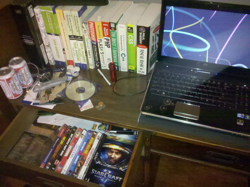 computerdesk.jpg