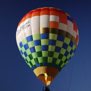 A Hot-Air Balloon_4071960378_l.jpg